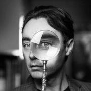 Искусство без границ: интервью с куратором Центра Андрианом Мельниковым